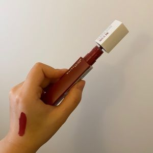 Maybelline lipgloss in shade Ruler